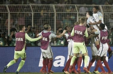 Los pupilos de Steven Cooper celebrando el quinto tanto | Vía FIFA
