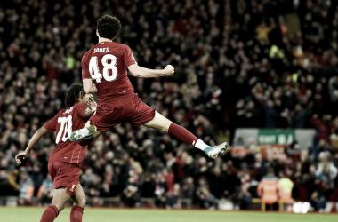 El Liverpool avanza en la FA Cup gracias al golazo de Curtis Jones