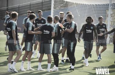 El primer equipo del Barça, durante una sesion preparatoria. FOTO: Noelia Déniz