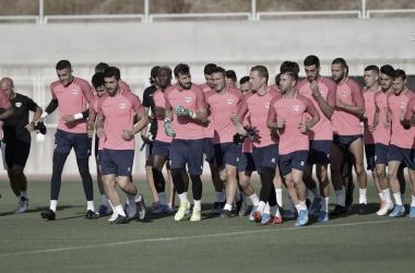 El primer equipo durante un entrenamiento en la Ciudad Deportiva. / Fotografía: Rayo Vallecano.