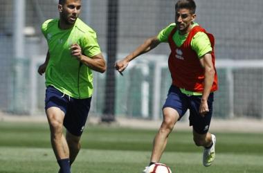 Fede Vico y Dani Ojeda durante un entrenamiento de esta semana | Foto: Pepe Villoslada/ Granada CF