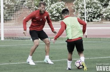Jorge Morcillo podría hacer las veces de lateral izquierdo ante el Numancia. (FOTO: David García - VAVEL)