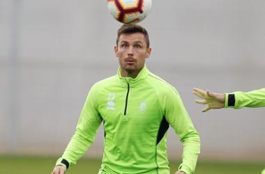 Alberto Martín, en el entrenamiento [Foto: Pepe Villoslada / Granada CF]