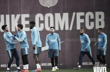 Varios azulgranas, con Messi en el medio, durante el entrenamiento del sábado / Foto: Noelia Déniz (VAVEL.com)