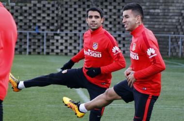 Augusto, que vuelve con Argentina, y Correa /Foto: Alex Marín - Atlético de Madrid