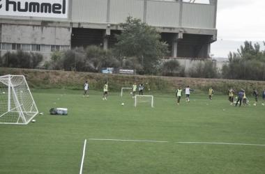 Los jugadores se han ejercitado para preparar el choque ante la Ponferradina. (Foto: Alvar Salvador - VAVEL).