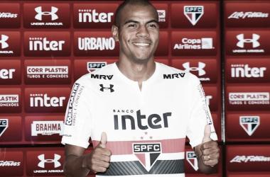 Ex-São Paulo, lateral Régis é anunciado como novo reforço do Fast Clube, do Amazonas