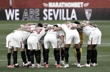 El Sevilla FC antes de empezar el partido ante el Athletic / @sevillafc (Facebok)