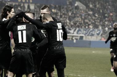 En la fotografia, el equipo del París Saint-Germain unido / Fuente: PSG