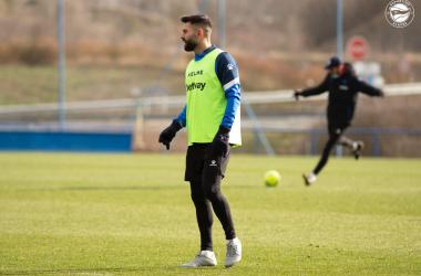Rubén Duarte, durante un entrenamiento con el Deportivo Alavés | Fuente: www.deportivoalaves.com