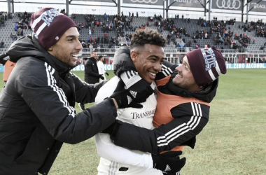 Colorado Rapids remonta con facilidad