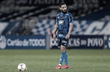 Arthur Caíke comemora primeiro gol pelo Cruzeiro, mas lamenta revés diante do América-MG