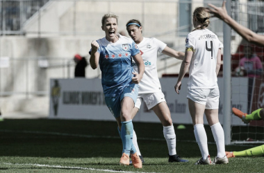 Julie Ertz vs. FC Kansas City | Photo: Chicago Red Stars