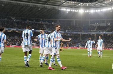 La Real Sociedad hunde aún más al Valencia (3-0)