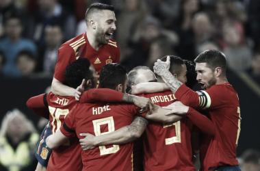 Giocatori della Spagna esultano per il gol di Rodrigo a Dusseldorf. Fonte: Selecciòn Espanola de Futbol/Twitter