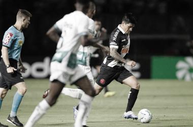 Vasco perde para o Goiás e se complica na Copa do Brasil