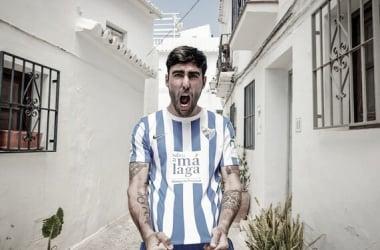 Escassi en la presentación de la camiseta // Foto: Málaga CF