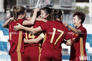 España celebrando uno de los goles del partido   Foto: Daniel Nieto - VAVEL