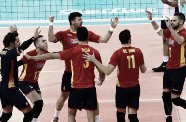 España celebra la clasificación al Campeonato de Europa 2017. Foto: rfevb.com