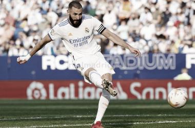 Benzema marca el 2-1 en el Espanyol - Real Madrid de la jornada 8 de LaLiga. | Fotografía: Real Madrid C.F.