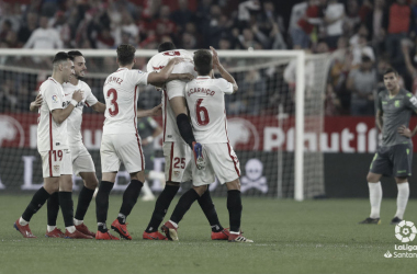 Los jugadores del Sevilla celebran uno de los cinco tantos marcados a la Real Sociedad el pasado domingo (FOTO:// LaLiga)