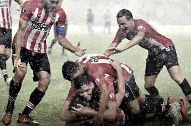 Após chuva de granizo, Estudiantes desencanta e goleia Real Garcilaso pela Libertadores