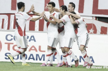Fora de casa, River vira contra o Estudiantes e sai na frente na Sul-Americana