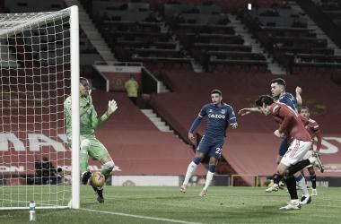 Manchester United empata em casa com Everton, e perde chance de encostar no líder City