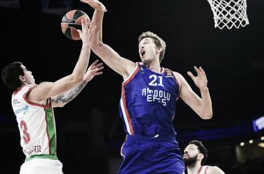 Vildoza y Tibor Pleiss (2018) / Fuente: Euroliga
