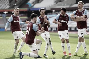Lingard y los demás celebrando el segundo gol / Foto: Twitter @WestHam