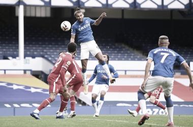 Em jogo acirrado, Everton e Liverpool ficam no empate no Derby de Merseyside