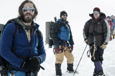 Jake Gyllenhaal, Josh Brolin y Michael Kelly en Everest. Foto (sin efecto): Everest Movie