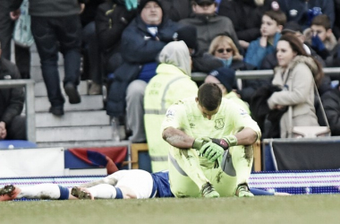 Despair for Everton and Joel Robles as Everton go from leading 2-0 to losing 3-2. (Image: Liverpool Echo)
