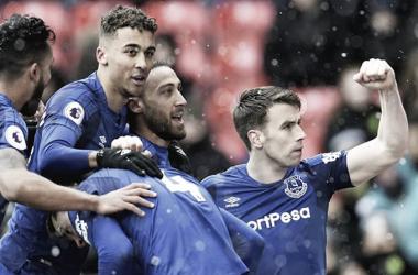 Sigurdsson salva al Everton