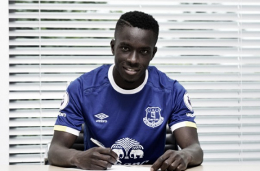 New Everton signing Idrissa Gueye poses for a photo at Finch Farm. (Image: Everton)