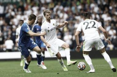 En un partidazo, Leeds y Everton igualaron 2-2