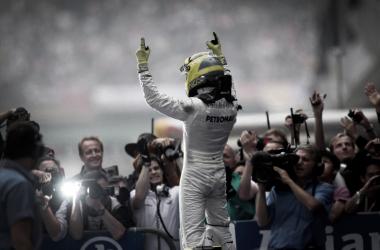 """Rosberg admite que """"quizá"""" no tiene el talento de Hamilton"""