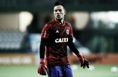 Com fratura confirmada, Diego Alves será substituído na lista de inscritos da Sul-Americana