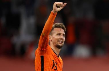 L'Olanda passeggia: Berghuis e de Jong mettono KO la Lettonia