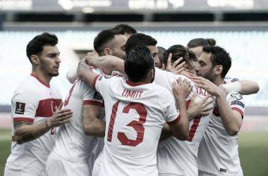 Turquia não toma conhecimento da Noruega e vence com sobras na Eliminatórias para Copa