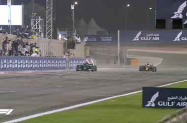 F1, Bahrain Gp - Che bell'inizio: vince Hamilton davanti ad un grande Verstappen