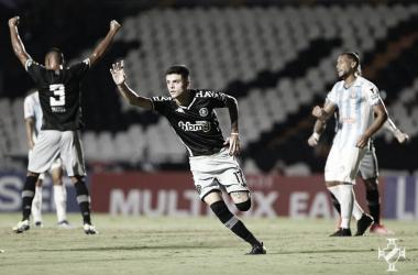 Vasco bate Macaé e conquista primeira vitória com Marcelo Cabo