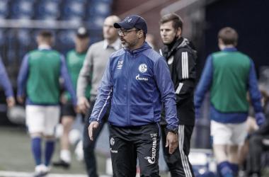 David Wagner aponta erros do Schalke contra Augsburg e diz que time precisa de confiança