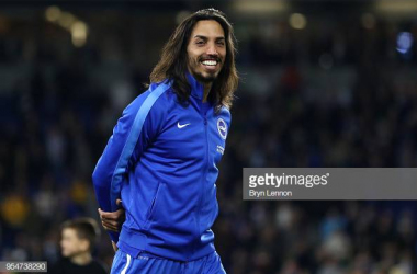 Ezequiel Schelotto warming up images courtesy of Getty Images.