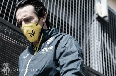 "<p class=""MsoBodyText"">Emery camino del entrenamiento // Foto: Villarreal C.F&nbsp;<o:p></o:p></p>"