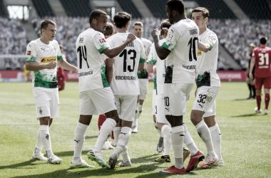 Borussia Mönchengladbach aproveita erros, goleia Union Berlin e mantém briga pelo G-4