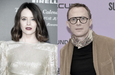 "Claire Foy y Paul Bettany fichan por ""A very english scandal"""