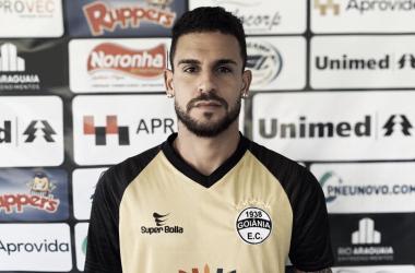 Revelação do Botafogo, zagueiro Lucas Lucena reforça Goiânia durante Estadual