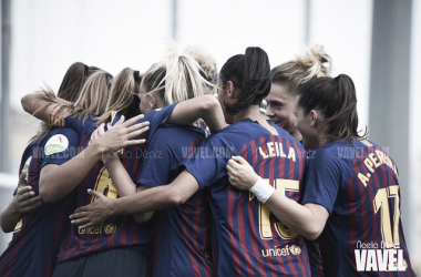 Las azulgranas celebrando sus goles. Foto: Noelia Déniz, VAVEL.com