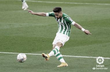 El Betis se convierte en el segundo equipo con el que más partidos ha jugado Álex Moreno